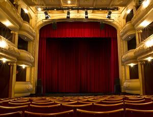 proscenium stage advantages and disadvantages